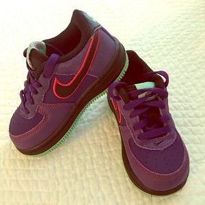 7C Nikes for toddler Boy/Girl
